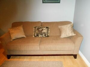 "Immaculate ""Sklar Peppler"" brand Chesterfield for sale"