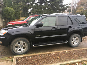 2004 Toyota 4Runner Limited SUV, V8 Crossover
