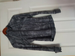 Lululemon sweater. Size 4.