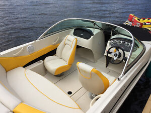 2010 Searay Bowrider W/captains chairs, rear bench/swim platform