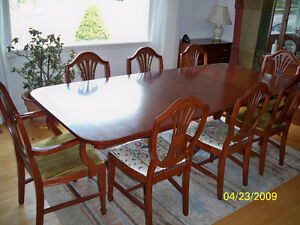 Gibbard Dining Table and Chairs in Mahogany