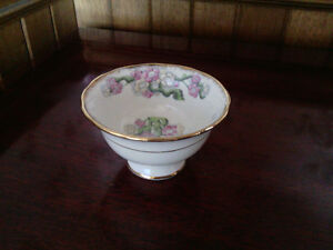 "Royal Albert ""May Blossom"" Sugar Bowl"