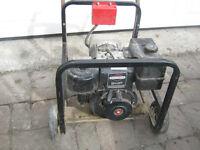 Génératrice Partner (8 hp) 4000 watts (2 x 110  +  220) 200$