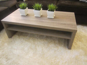 Very Nice Modern coffee table +2 end tables = LikeNEW! Only $160