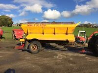 Tractor mounted salt gritter