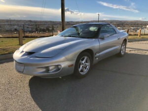Pontiac Firebird  mint 5 spd sale or trade !