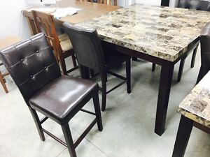 New pub height faux marble dining table with four pub stools 500