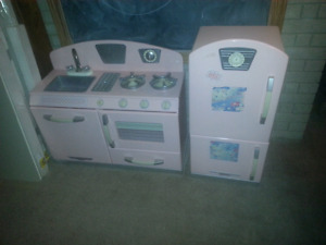 KidCraft kitchen set, good condition