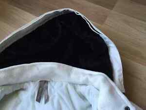 White Winter Coat - only worn a couple of times Kitchener / Waterloo Kitchener Area image 2