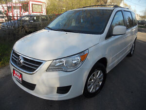 2009 Volkswagen Routan Van 7pass. Loaded 174kms 4995