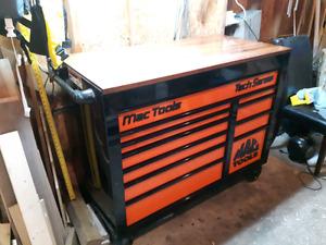 Mac Tool techs series 11 drawer tool box