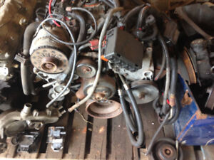 5.7l 350 vortec engine with extras
