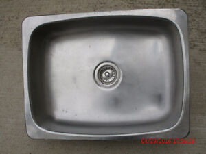 sink -- stainless -- single