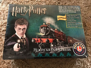 LIONEL HARRY POTTER HOGWARTS EXPRESS TRAIN SET