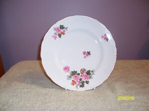 ROYAL SWAN DELIGHT DISHES
