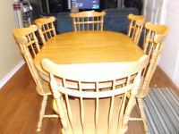 KITCHEN TABLE 6 CHAIRS SOLID OAK AND TABLE EXTENSION.