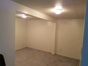 One Bedroom Separate Entrance Apartment in Family Home