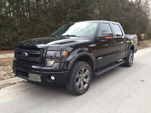 2013 Ford F-150 FX4, Crew Cab, One Owner, Low KMs, Very Clean!!!