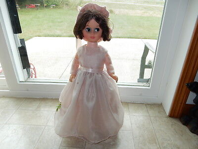 Vintage 1967 Uneeda Glamour Fashion Doll Brunette