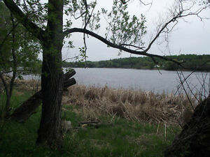 Laurenson Lake - Rocky Heights Road - Access to LOTW