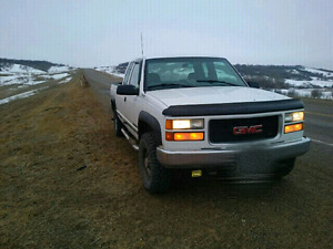 * SAFETIED * 98 GMC*3/4 ton* 4X4 *LOW MILEAGE* SAFETIED *