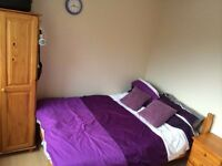 Oval located double room ensuite