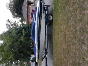 20 ft bowrider with trailer for sale .