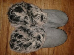 size 9-10 new slippers