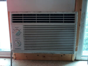 GOLDSTAR R0500M 5050 BTU Air Conditioner