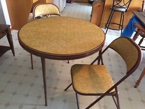 Retro card table with 4 chairs