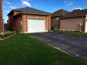 Large deatched house, in-law suite, 4 BR, 2 Bath, South Barrie