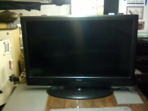 SEVEN FLAT SCREEN TV'S
