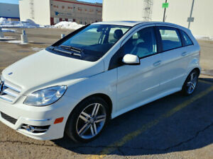 2011 Mercedes Benz B200 Turbo **** Never accidented****