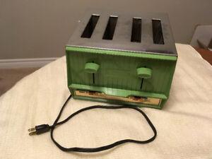 Vintage, Retro 4-Slice Toaster