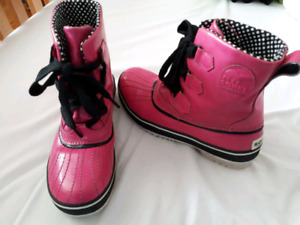 Sorel Girls  boots USA size 6-7