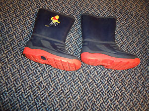 Size 11 Whinnie the Pooh Rainboots