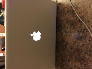 Apple laptop 2009