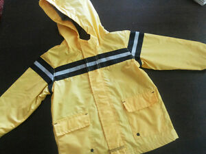 Old Navy Rain Jacket 3T, Excellent Condition