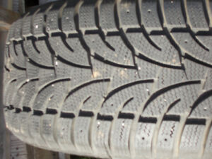 For sale  one  winter  tire 235/55R17  ice  bLazer  saiLun  .