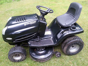 Murray Select 18 HP Lawn Tractor