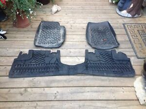 FLOOR MATS 1500 ram and jeep Regina Regina Area image 2