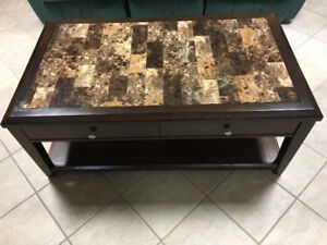 Coffee table with lift top & casters
