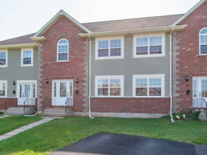 Beautiful Golf View Townhouse -- Stratford
