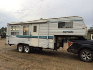 1998 24 ft Westwind 5th wheel