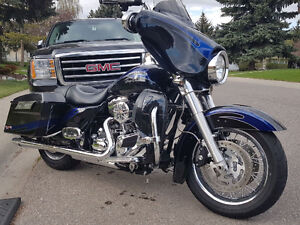 2009 Street Glide Rare Factory Limited Paint #28/200 Worldwide