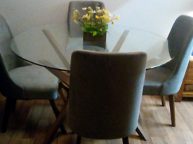 New large size table and 4 chairs