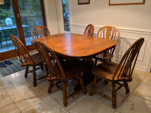 Solid Pine Kitchen Table and 6 Solid Oak Chairs