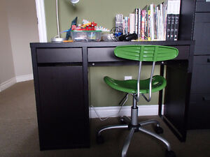 Youth desk, chair and lamp