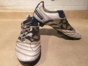 Men's Adidas Predator Outdoor Soccer Cleats Size 10 London Ontario image 6
