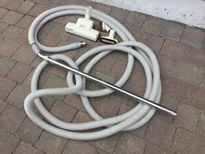 boyau d'aspirateur central avec accessoires